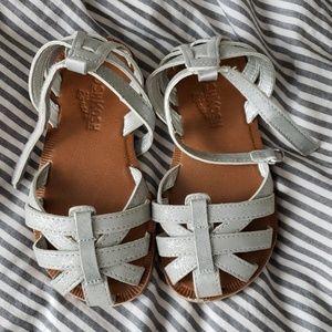 OshKosh Toddler Size 8 silver strappy sandals